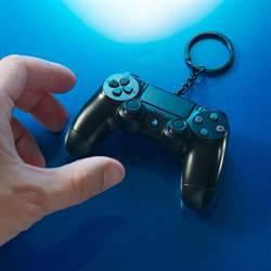 PS4手把造型悠遊卡不限量預購開跑 6大通路買得到
