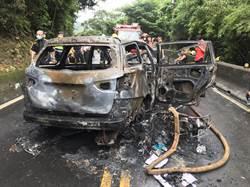 林口壽山路休旅車擦撞起火 1老婦燒死車上5人送醫