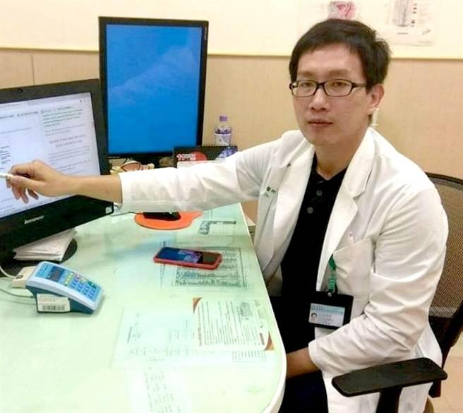 台南市立安南醫院泌尿科醫師林育緯呼籲包莖問題男性要做好生殖器清潔衛生,避免細菌感染。(安南醫院提供/程炳璋台南傳真)