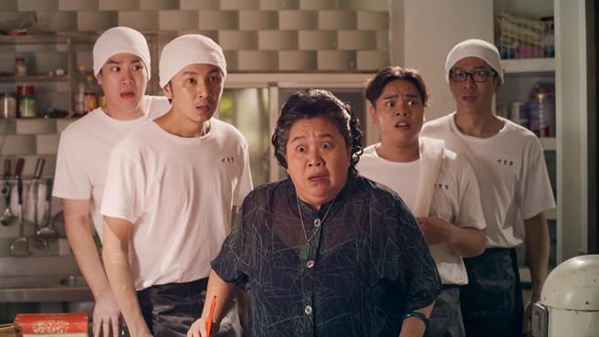 鍾欣凌、張書偉等人主演的《我的婆婆怎麼那麼可愛》首播就讓觀眾笑開懷。(公視提供)