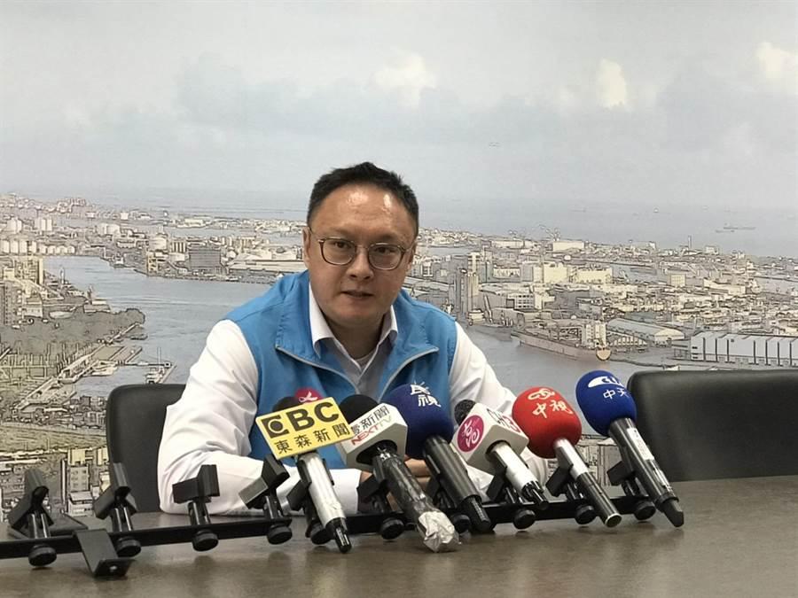 高市新聞局長鄭照新表示,首長請假並非沒上班,而是交給未來會留任的文官體系做決定。(林宏聰攝)