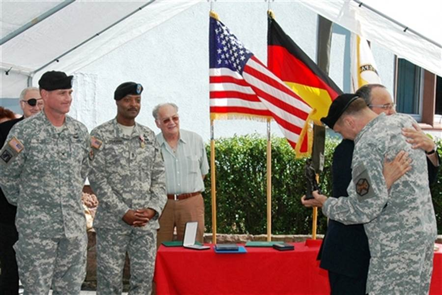 美國突然從德國撤軍 梅克爾表示「不能接受」