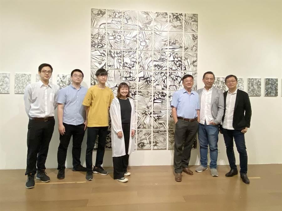 東海大學結合藝術及AI科技跨域,推出「藝術・AI・未來」展。(陳淑芬攝)