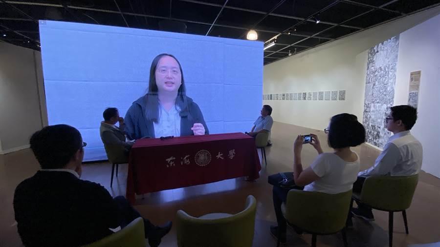 行政院政務委員唐鳳以錄影致詞表示,「藝術・AI・未來」展呈現藝術家和科技人在AI時代發揮更多的創作能量。(陳淑芬攝)