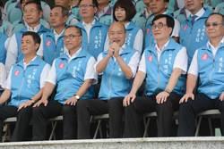 韓國瑜畢業照表情僵 自嘲這句韓粉心碎哭了