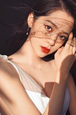 歐陽娜娜20歲加盟新東家發EP