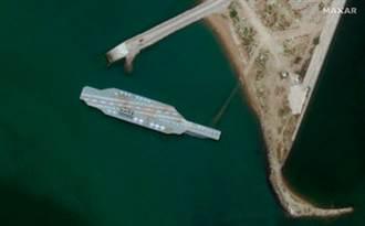 伊朗造出美國航艦模型 用於實彈演習