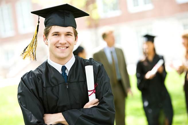 名校畢業生為何還考公務員?網揭關鍵(示意圖/達志影像)