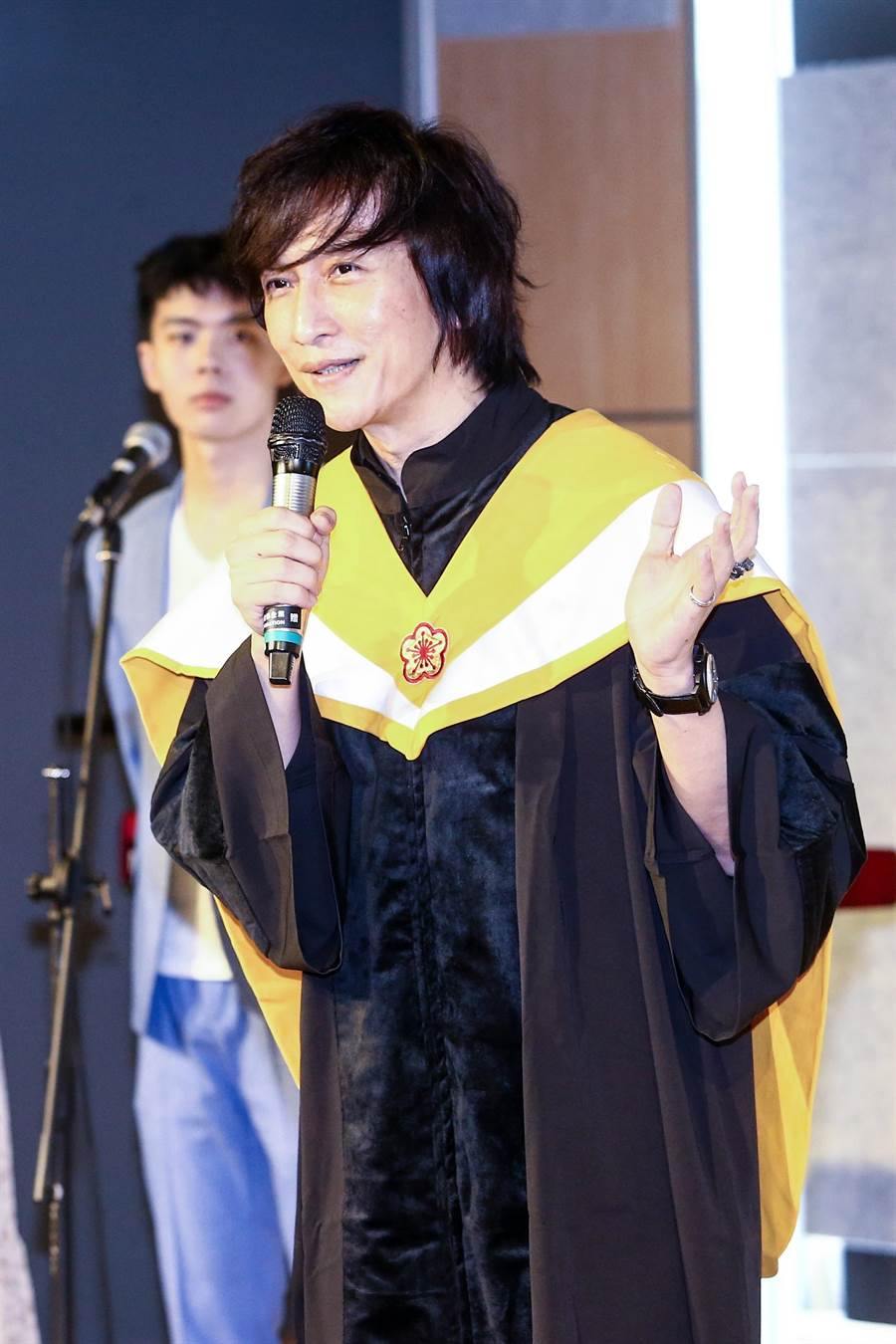 台北城市科大流行音樂事業系主任薛忠銘期勉學子,未來各個都能成為產業先驅,「讓我們為你驕傲!」(鄧博仁攝)