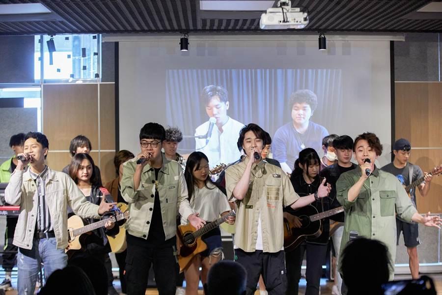 台北城市科技大學流行音樂系今舉辦第一屆畢業典禮。(城市科大提供)