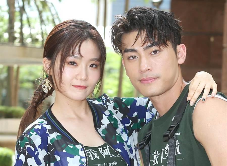 楊小黎、徐愷在《媽!我阿榮啦》飾演一對青梅竹馬。(粘耿豪攝)