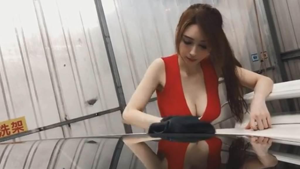 庭庭身材火辣,時常PO出性感洗車影片。(圖/IG@ann30866)