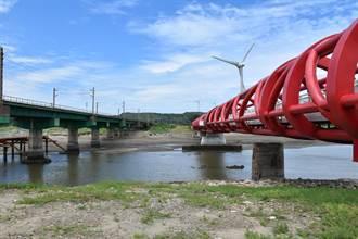 苗栗縣政府啟用西湖溪自行車鐵橋