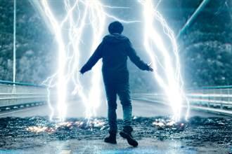 《超能追緝》斥資2億封橋5天追尋雷神起源 導演被親戚抗議