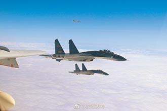 陸美在我領空角力 美軍機沿西岸飛行 陸蘇愷30操演越界