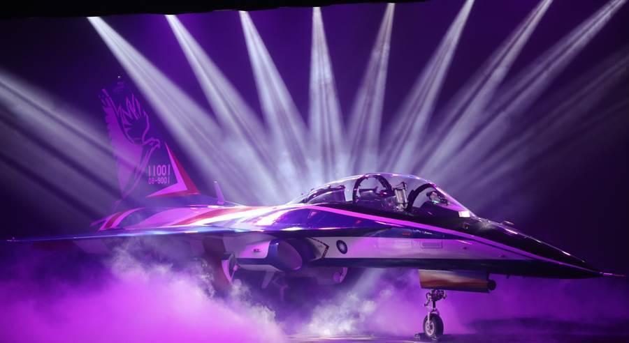 勇鷹高教機將於今日(10)9點於台中清泉崗機場進行實際試飛測試。(中時資料庫 )