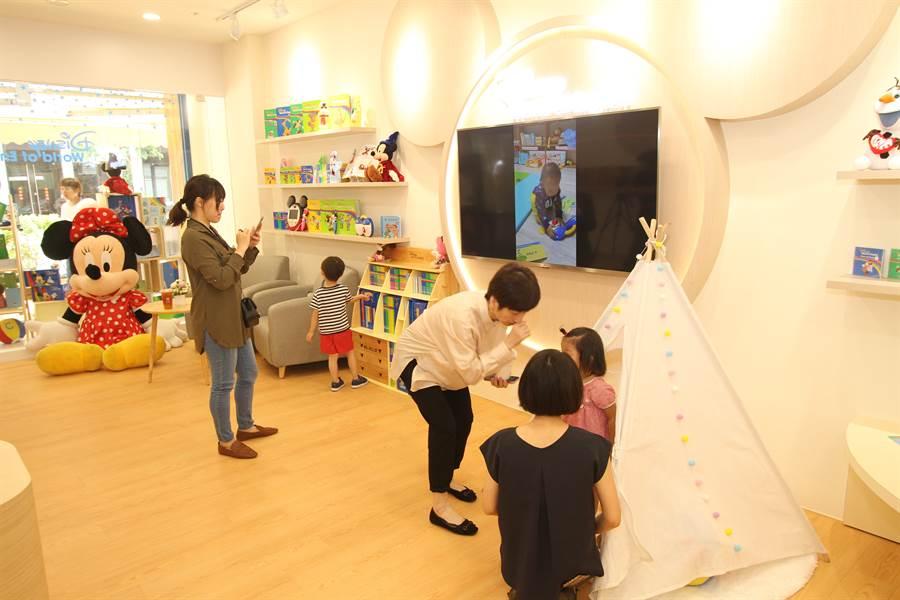 迪士尼美語鎖定重視外語教育的竹科家庭,在新竹開設首間實體門市。