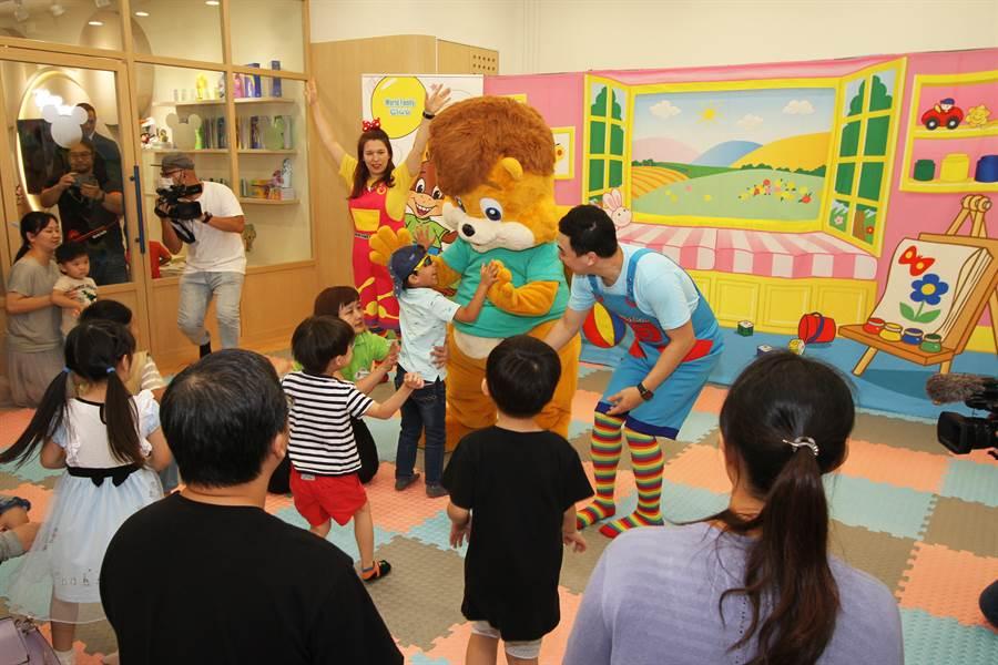 業者看好大新竹幼兒教育市場,以俱樂部的型式長期舉辦活動經營外語學習。