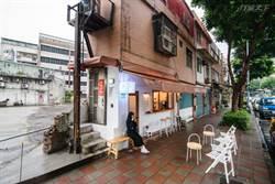 8年級創業3坪紙片屋 咖啡香連鄰居阿伯都天天報到