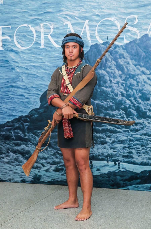 有一半排灣族血統的黃遠,在公視《斯卡羅》中演出「阿杰」一角。(盧禕祺攝)