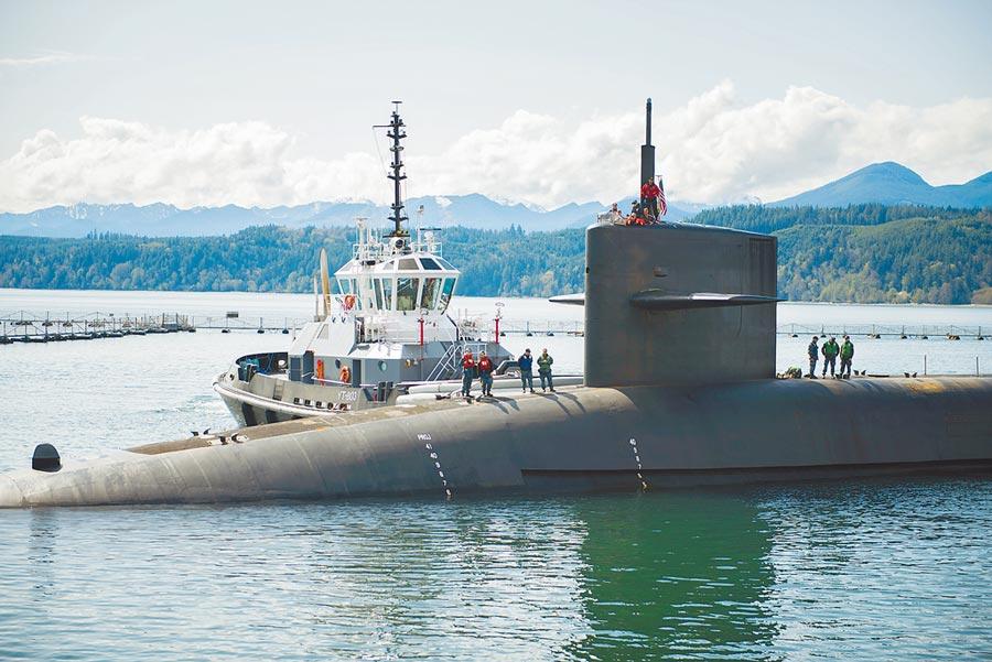 美國俄亥俄級彈道飛彈潛艇羅茲島號。(取自美國海軍官網)