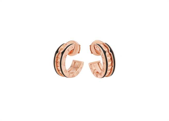 寶格麗B.zero1 Rock系列玫瑰金黑陶瓷耳環,約7萬2700元。(BVLGARI提供)