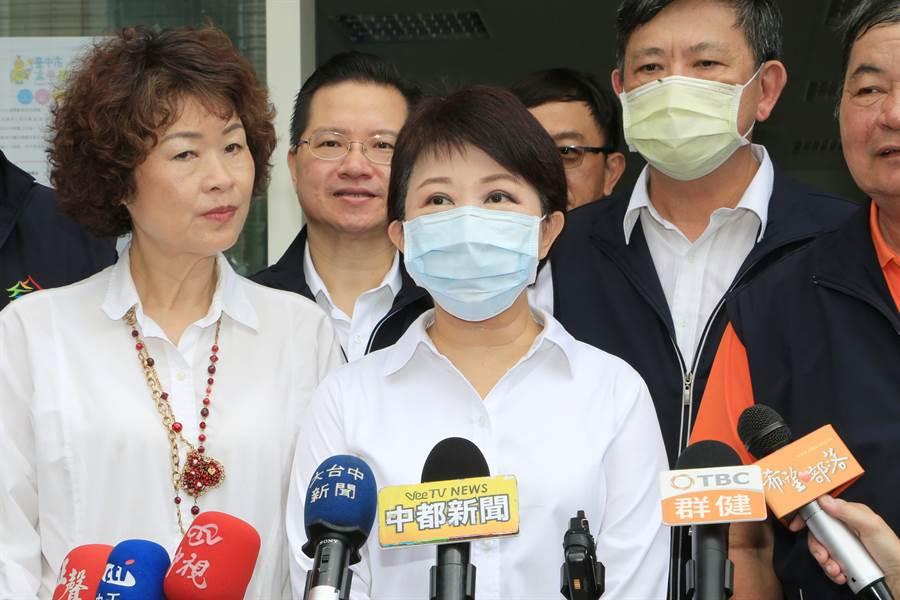 盧秀燕(左2)表示,繼續努力推動社會福利、拚經濟、抗空汙,讓台中變得更好、更宜居。(台中市政府提供/張妍溱台中傳真)