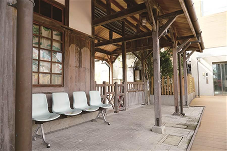 香山火車站為現今全台僅存的檜木造車站。(圖/IN新竹提供)