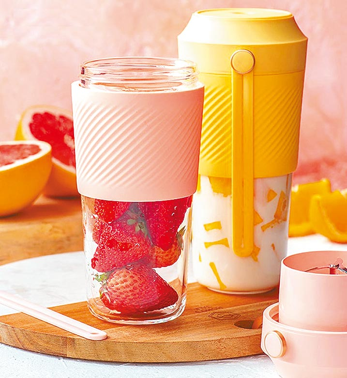 樂天市場的發現好事物鮮榨隨行果汁杯,特價1380元。(樂天市場提供)