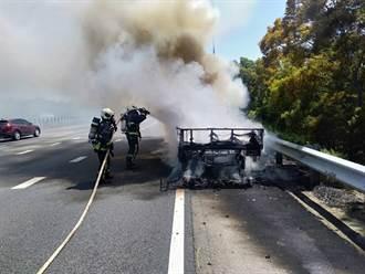 國3清水段火燒車 20分鐘燒剩骨架