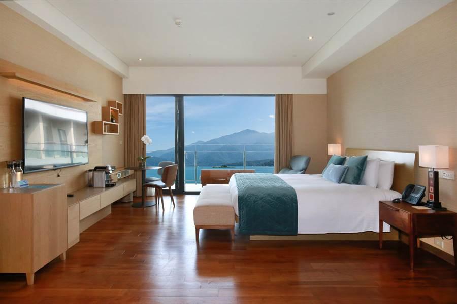 雲品溫泉酒店豪華湖景套房。(業者提供)