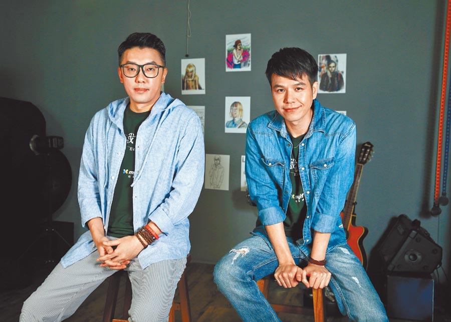 段鈞豪(左起)跟隆宸翰近來都升格人父,卸下角色軍服就會聊起爸爸經。(粘耿豪攝)
