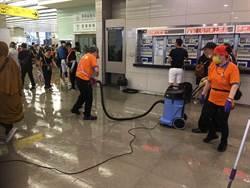 雷雨突襲!台中車站大廳淹水、林森地下道封閉