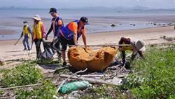 金門岸巡淨灘  2天清出1.5噸垃圾