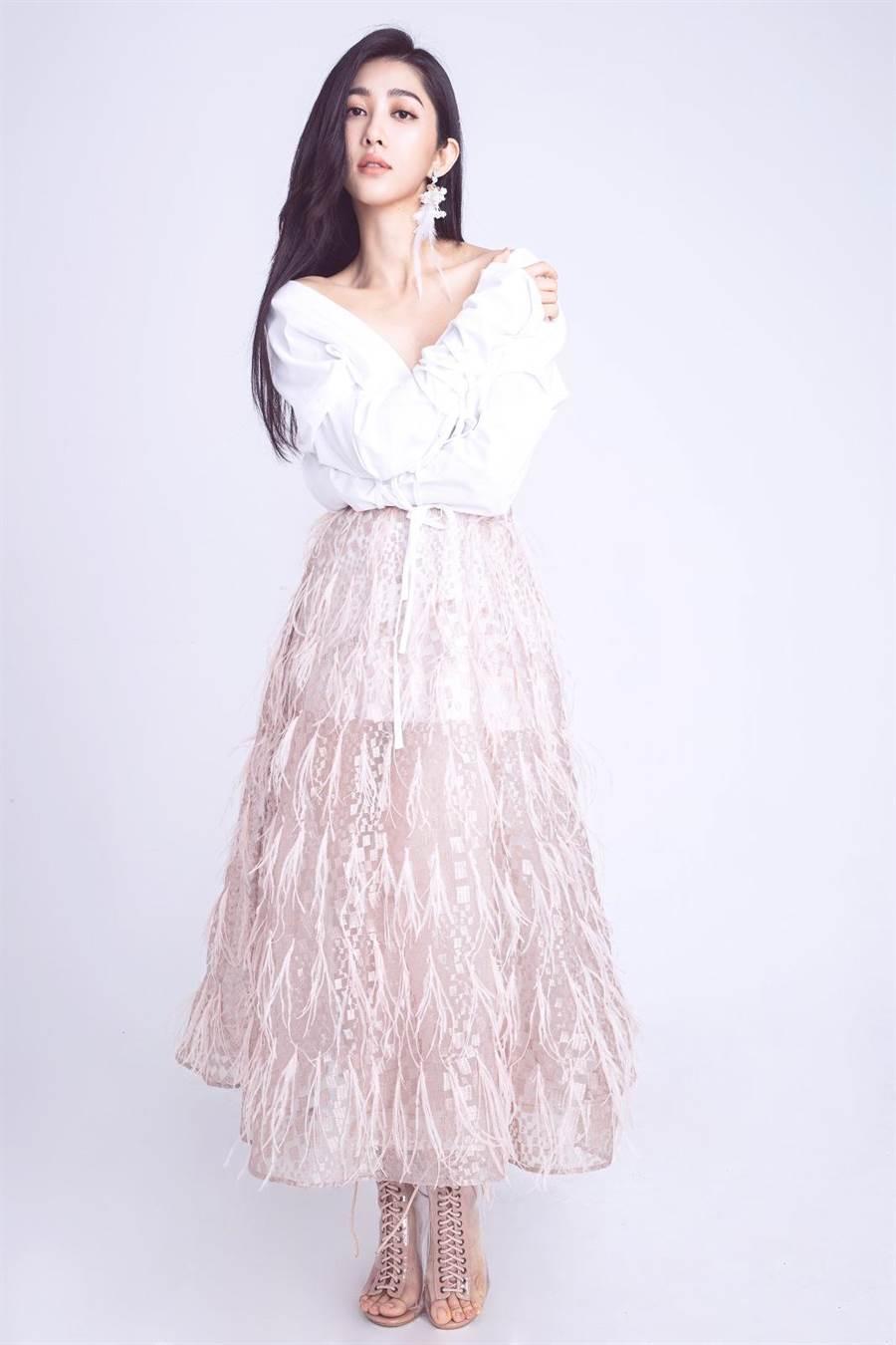 王晴一直以來最想成為歌手,沒想到卻先在戲劇上嶄露頭角。(愛秀演藝提供)