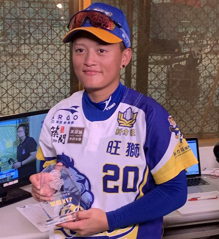陳雨庭揮出棒季首轟,獲選單場MVP。(中華壘協提供/廖德修台北傳真)