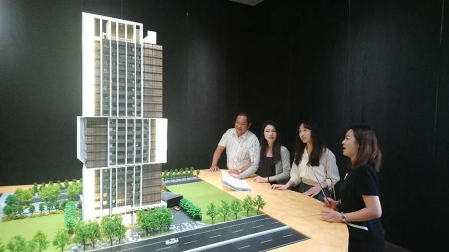 單元二新案「國聚之鑄」,預計7月中正式公開,潛銷期間已吸引購屋族預約賞屋。圖/曾麗芳