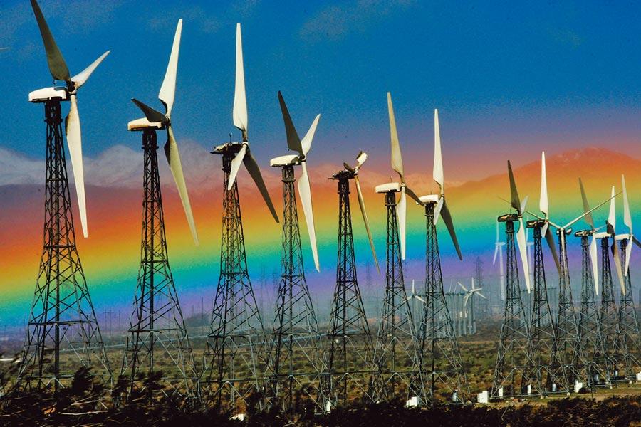 美國加州2045年將實現零碳電網,落實綠能政策。圖為加州風力發電。(美聯社)