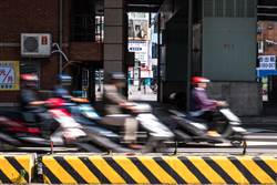 國道鋪路品質為何無法複製到一般道路?內行解密