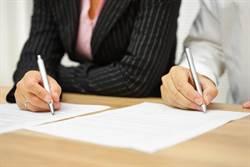太誇張!為了簽離婚證書 她苦練一年寫字