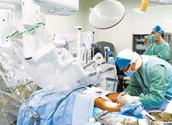 天津心臟外科邁步 機器人幫做手術