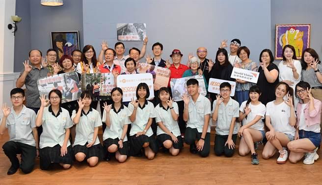因應防疫避免群聚,台灣世界展望會發起線上串連,舉辦「一個人的飢餓三十」活動。(盧金足攝)