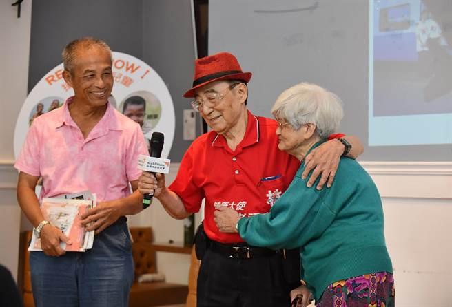曾經參加30屆飢餓三十、高齡百歲的林友茂出席會場,他表示,透過參加活動,更能深刻的感受處於脆弱國家兒童的需要。(盧金足攝)