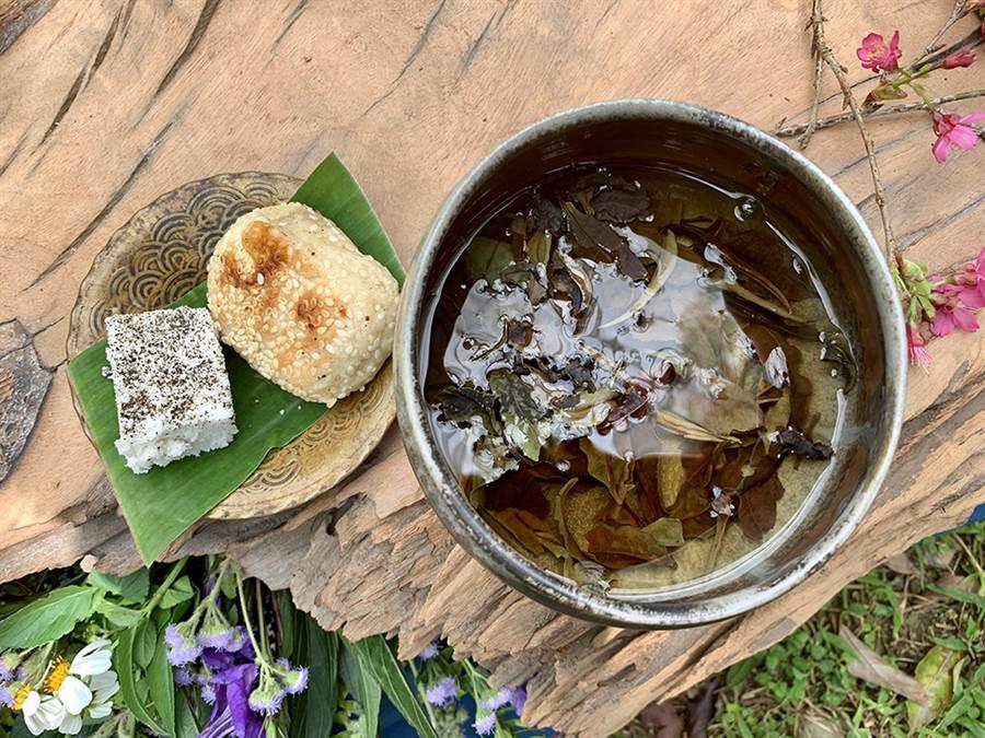 搭配自製茶點,單碗奉茶,讓遊客感受截然不同的茶湯體驗。(照片提供/荔寶文創)