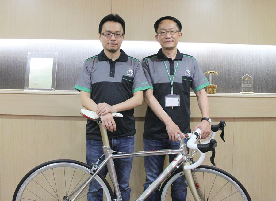 愛地雅董事長張元賓(左)、新任總經理林恒斌。圖/陳仁義