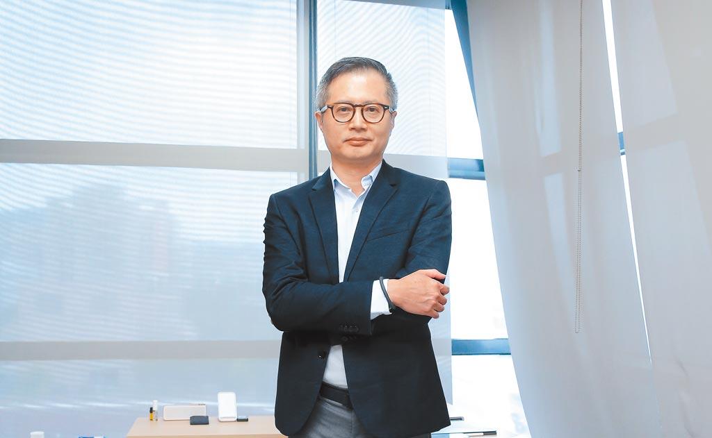 串點科技董事長閻俊傑,曾在燦坤服務近30年,現在創業的第一重點就是要解決空調品牌及消費者的痛處,讓安裝空調變得更專業,也讓師傅可以穩定維持收入。(盧禕祺攝)