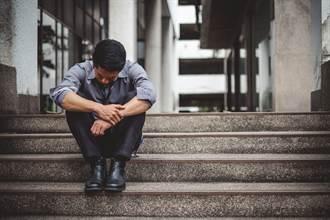 無力的日本中年人 不受重視的免洗世代