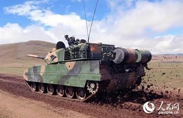 向印度秀拳頭 陸15式坦克紅箭10西藏實戰演練