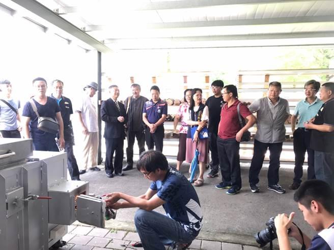 元培捐贈大明高中的柴燒窯17日啟用。(元培醫事科大提供)