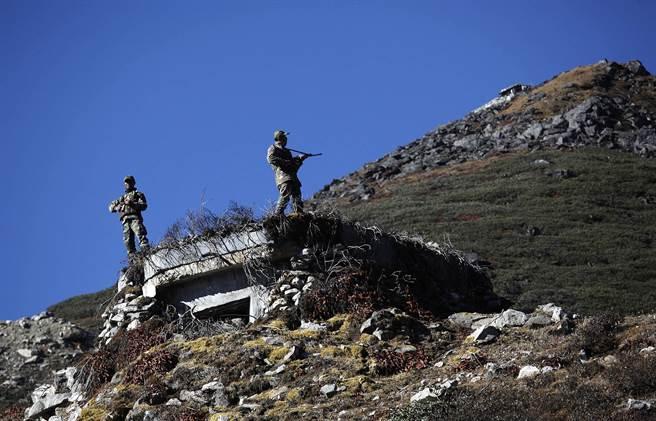 印度在高原的邊界碉堡。(圖/美聯社)